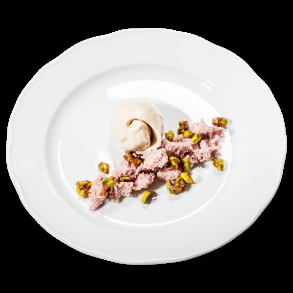 Lebkuchen-Mousse mit Himbeerbiskuit und karamellisierten Pistazien
