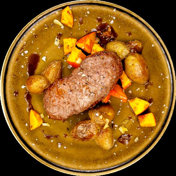 Argentinisches Rumpsteak mit gebratenem Kürbis und La Ratte Kartoffeln