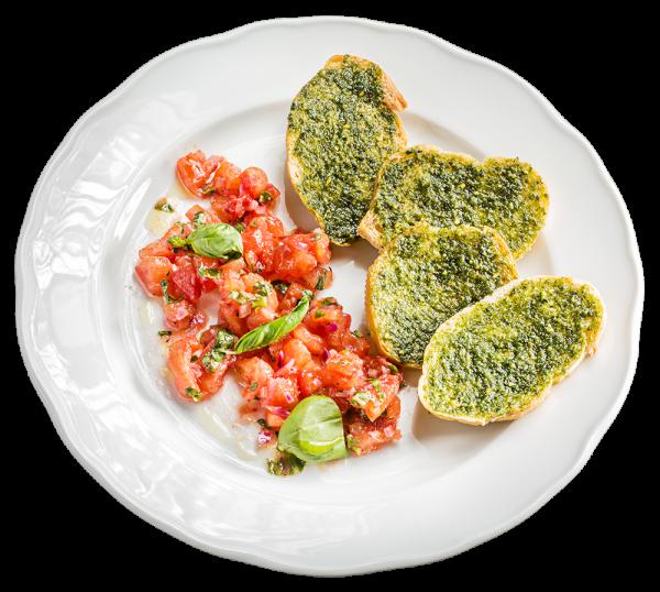 Bruschetta mit feinem Tomatensalat und Kräuter-Pesto