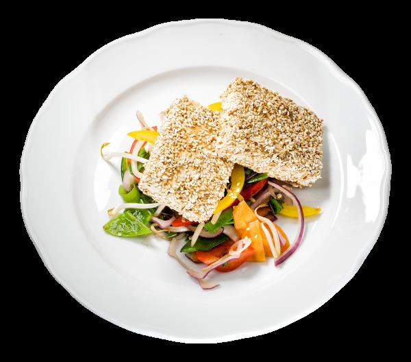 Schafskäse im Sesam-Mantel mit knackigem Wokgemüse