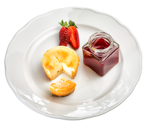 Saftiger Käsekuchen mit Erdbeer-Shot