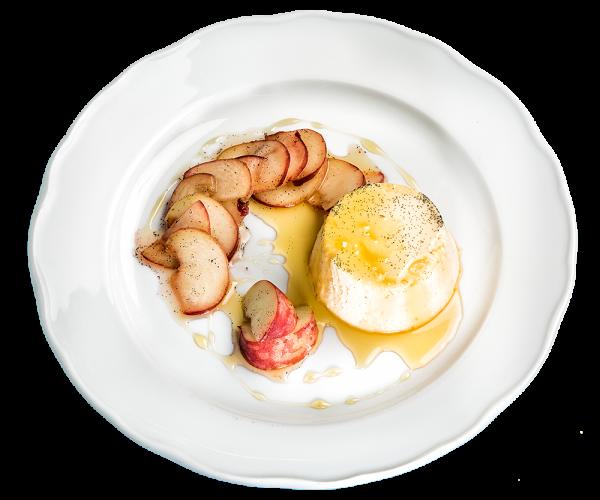 Creme Catalana mit Nektarinen-Salat und Karamellsoße